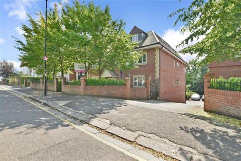 2 bedroom penthouse for sale - Russell Hill, Purley, Surrey