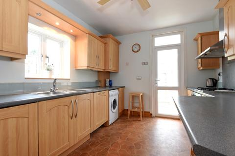 3 bedroom house to rent - Bexhill Road Brockley SE4