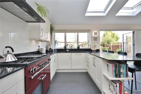 3 bedroom semi-detached house for sale - Cumbernauld Gardens, Sunbury-on-Thames, Surrey, TW16
