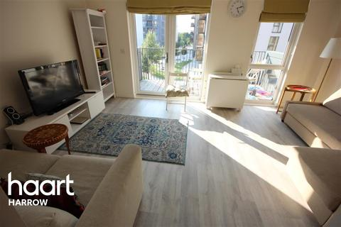2 bedroom flat to rent - Hitherwood Court, Charcot Road, NW9