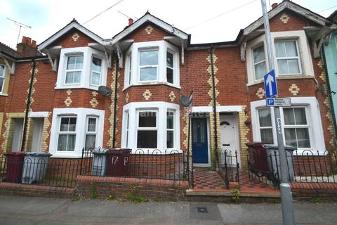 3 bedroom terraced house to rent - Winchester Road, Reading