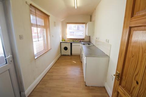 2 bedroom terraced house to rent - Alberta Street, Dresden, ST3 4LB