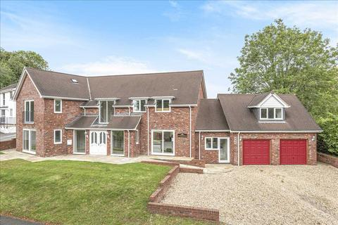 5 bedroom detached house for sale - Withersfield, Lynch Hill Park, Whitchurch