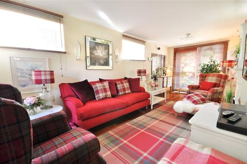 4 bedroom end of terrace house for sale - Copthorne, RH10