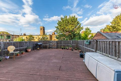 2 bedroom apartment for sale - Devonshire House, The Broadway, Crouch End N8