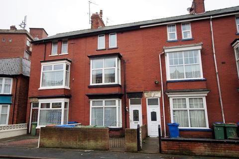 2 bedroom block of apartments for sale - Horsforth Avenue, Bridlington