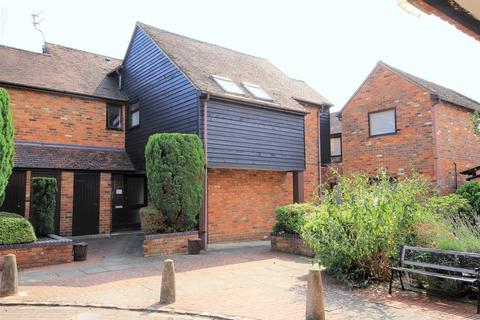 2 bedroom apartment to rent - Princes Risborough