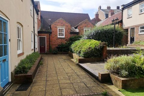 3 bedroom terraced house to rent - Taylors Court, Monk Street, City Centre