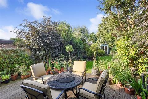 3 bedroom semi-detached house for sale - Walwyn Avenue, Bromley, Kent