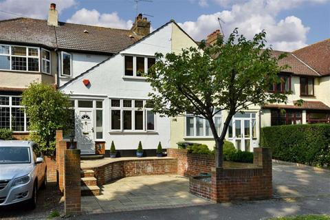 3 bedroom terraced house for sale - Chessington Close, Epsom, Surrey