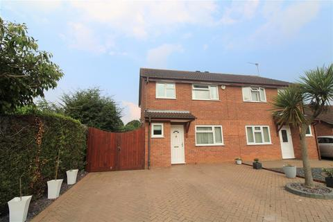 3 bedroom semi-detached house for sale - Stody Drive, South Wootton