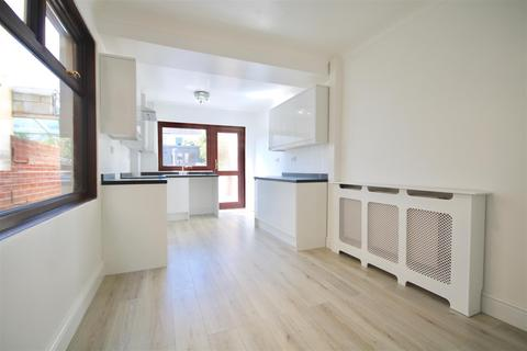 3 bedroom terraced house to rent - Knox Road, Portsmouth