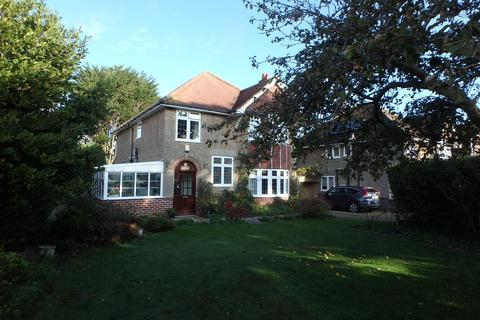 4 bedroom detached house for sale - Buckland Lodge, Dilly Lane, Barton On Sea,