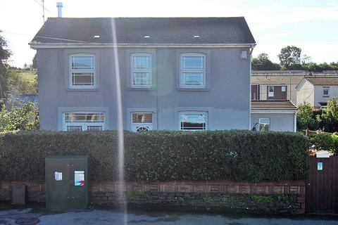 3 bedroom detached house for sale - Bridgend Road, Llanharan, Pontyclun, Rhondda, Cynon, Taff. CF72 9RA