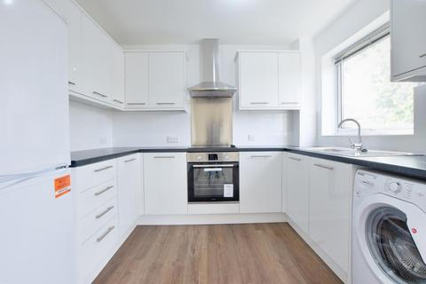 2 bedroom flat to rent - Bawtree Road, Uxbridge, Middlesex, UB8 1PT