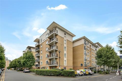 3 bedroom flat to rent - Settlers Court, 17 Newport Avenue, London, E14