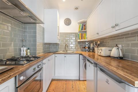 2 bedroom flat for sale - Sandmere Road, LONDON, SW4