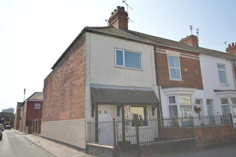 2 bedroom end of terrace house for sale - Fourth Avenue, Goole