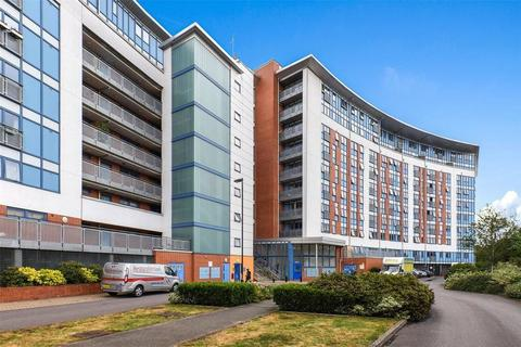 2 bedroom flat to rent - Meath Crescent, London E2