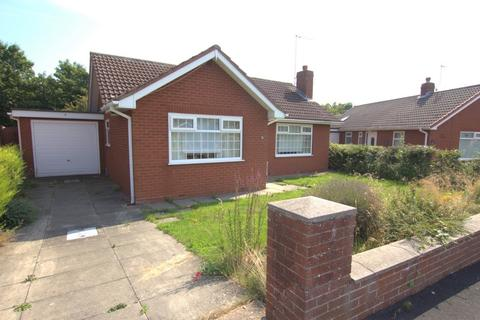 2 bedroom detached bungalow for sale - Kestrel Drive, Bridlington