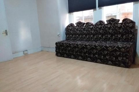 2 bedroom flat to rent - Coverton road, Tooting Broadway, London, London, SW17 0QL