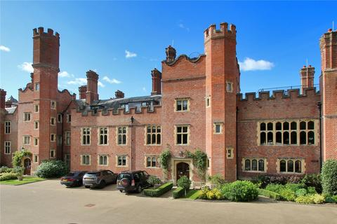 3 bedroom flat for sale - Swaylands, Penshurst, Kent, TN11