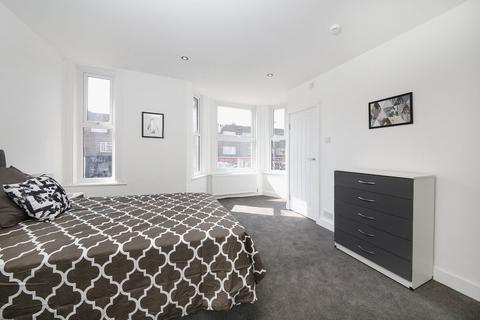 1 bedroom apartment to rent - Watling Street, Gillingham