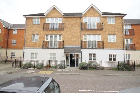 2 bedroom ground floor flat for sale - Caspian Way, Purfleet, RM19