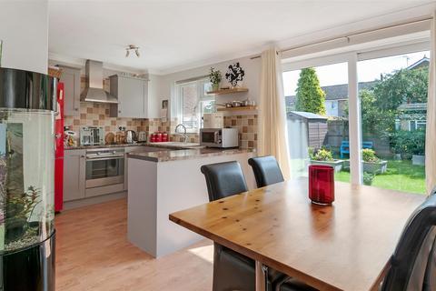 3 bedroom semi-detached house for sale - Concord Close, Paddock Wood, Tonbridge