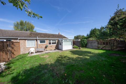 2 bedroom semi-detached bungalow for sale - Linden Close, Dunstable, Bedfordshire