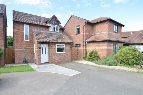 3 bedroom detached house for sale - Willow Drive, Bicester