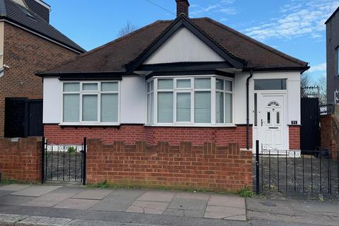 3 bedroom detached bungalow for sale - Priestley Gardens, Chadwell Heath, Romford