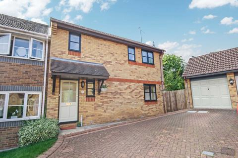 2 bedroom semi-detached house for sale - Wheatear Place, Billericay