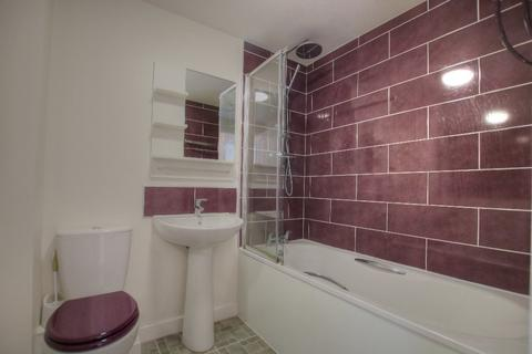 3 bedroom semi-detached house to rent - Chester Pike, The Rise, Newcastle upon Tyne, NE15 6BS