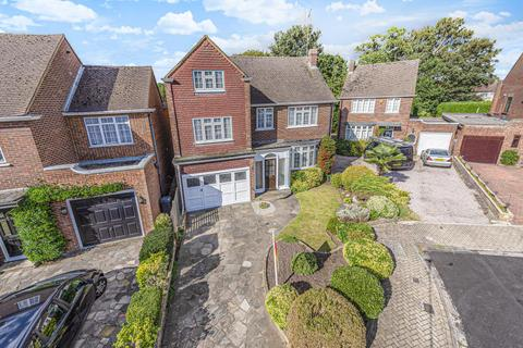 5 bedroom detached house for sale - Elizabeth Way, Hanworth Park, TW13