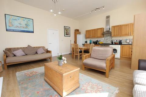 2 bedroom flat to rent - 8 Warrior Gardens, St. Leonards-on-sea, East Sussex. TN37 6EB