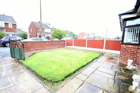 2 bedroom bungalow for sale - Severn Road, Culcheth, Warrington, WA3 5EB