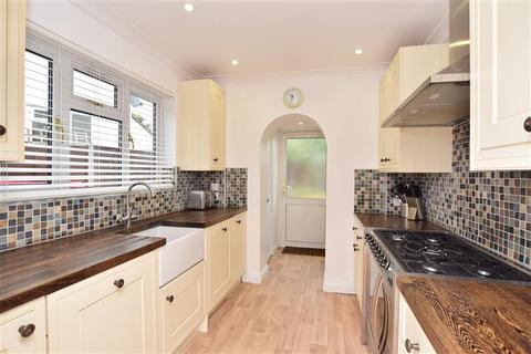 3 bedroom semi-detached house for sale - Spot Lane, Bearsted, Maidstone, Kent
