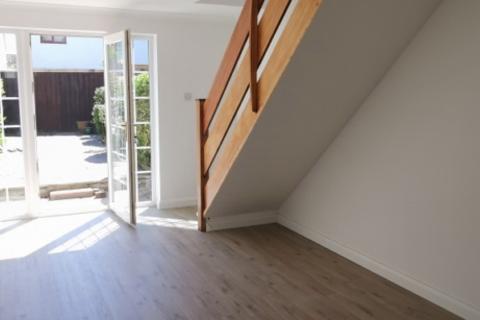 2 bedroom house to rent - 3 Lynton Court Newton Swansea