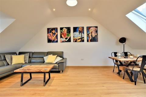 3 bedroom penthouse for sale - High Street, Dunmow