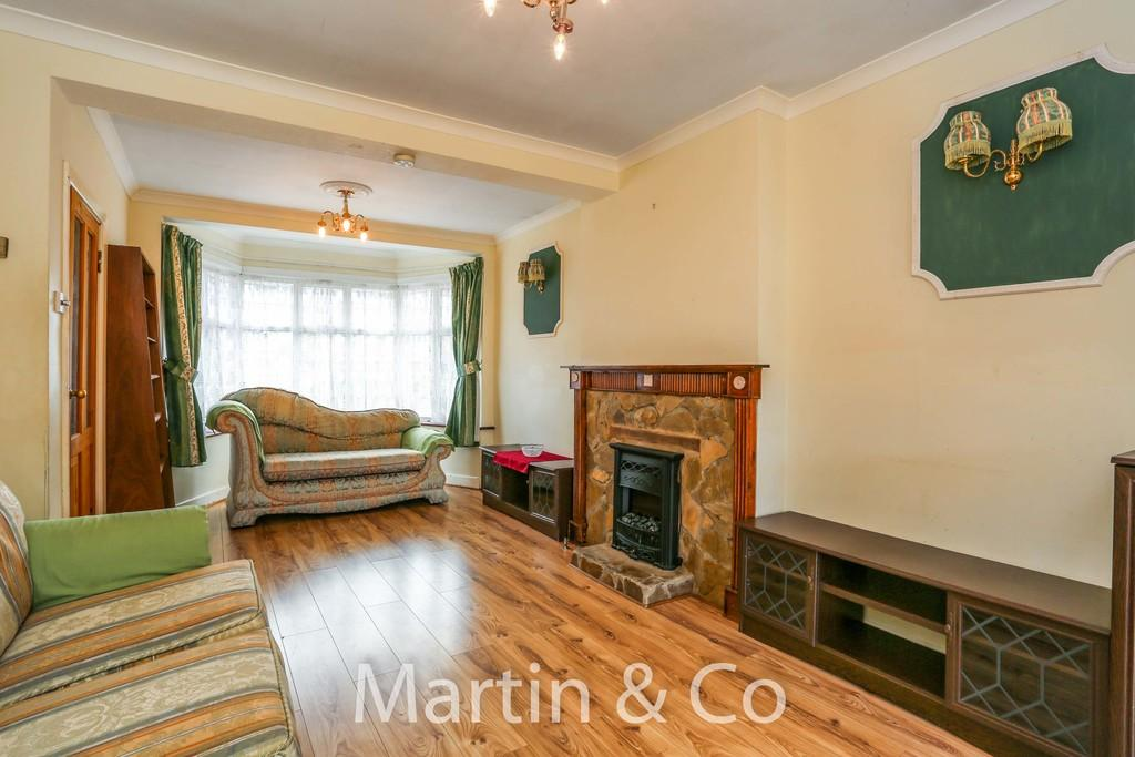 Morden Sm4 3 Bed Terraced House For Sale 163 439 950