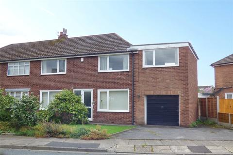 4 bedroom semi-detached house for sale - Warwick Road, Alkrington, Middleton, Manchester, M24