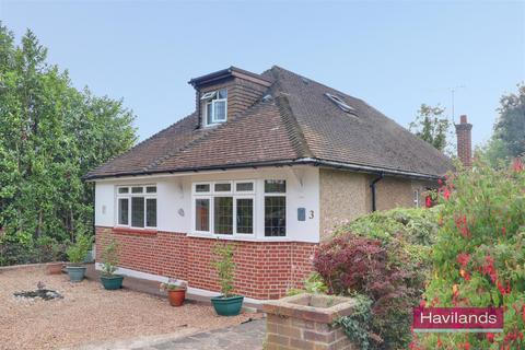 4 bedroom bungalow for sale - Eversley Close, Winchmore Hill