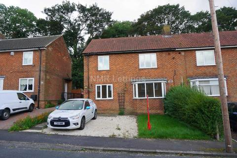 3 bedroom semi-detached house to rent - St Mary`s Road, Carrville