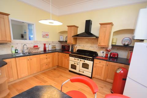 3 bedroom apartment to rent - Clare Terrace, Falmouth