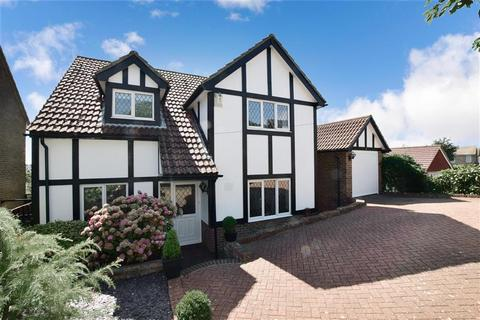 3 bedroom detached house for sale - Crescent Drive North, Woodingdean, Brighton, East Sussex