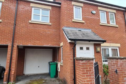 3 bedroom terraced house to rent - Pickering Street, Hulme, M15 5LQ