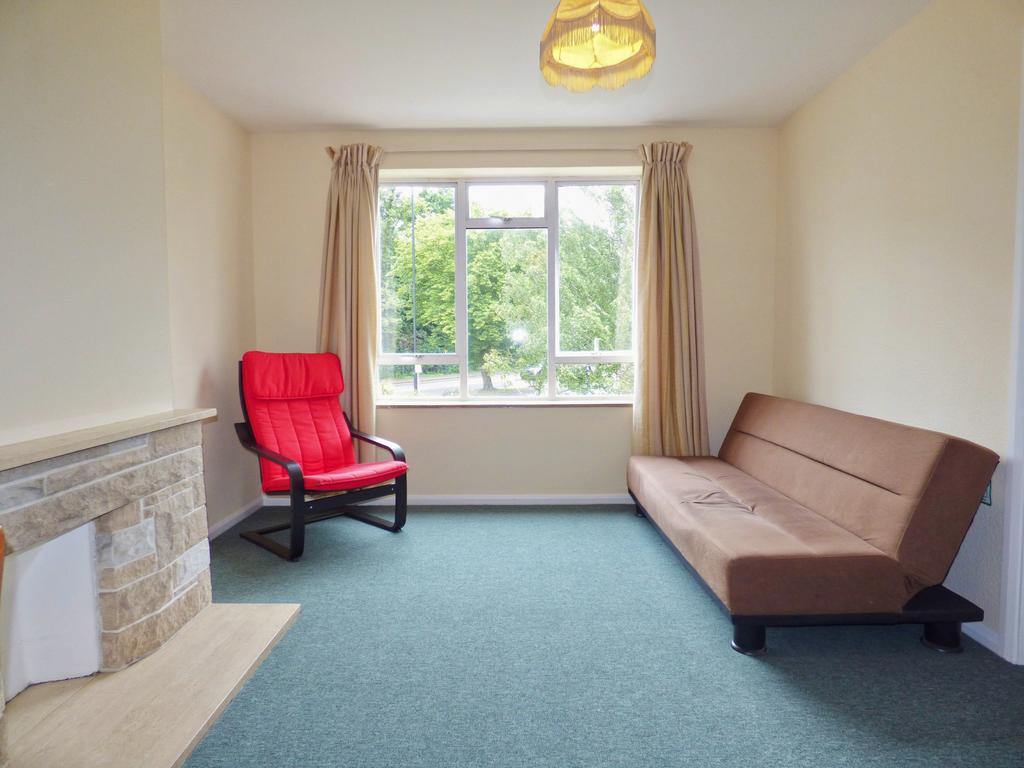 1 Double Bedroom Flat to Rent in Cockfosters