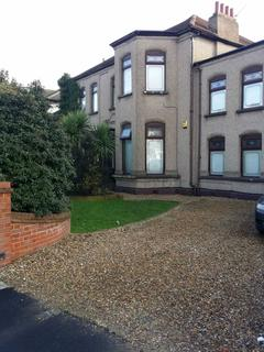 1 bedroom house share to rent - Aldborough Road, Ilford