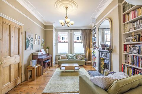 4 bedroom terraced house for sale - Sydney Road, London, N8
